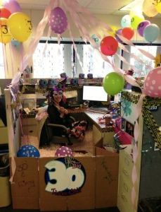 foto-graciosa-celebrar-cumplean%cc%83os-oficina